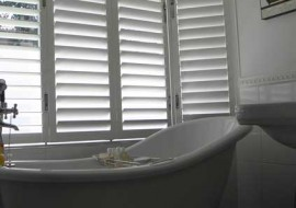 Aluminium Shutters Window Bath